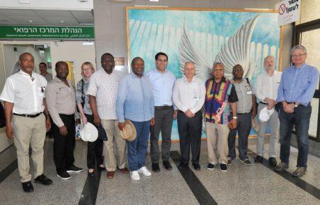 """מתגייסים למאמצי ההסברה: משלחת שגרירים באו""""ם ביקרה במרכז הרפואי לגליל"""