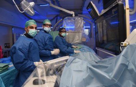 לראשונה בארץ: בוצע בסורוקה טיפול ייחודי בטנטון באמצעות צנתור מוח