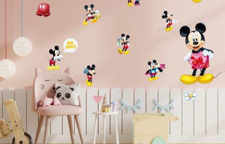 להפוך את החדר שלהם למקום בטוח ומחבק באמצעות מדבקות קיר לילדים