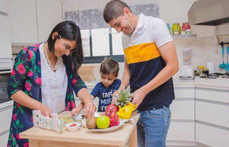 """""""הילד שלי לא אוכל כלום"""": איך עוזרים לילדים לאכול בחמישה צעדים פשוטים"""
