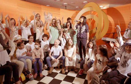ילדים חולי סרטן חוגגים 40 שנה ל'הללויה' בביצוע מנצח ומרגש במיוחד עם גלי עטרי וקובי אשרת
