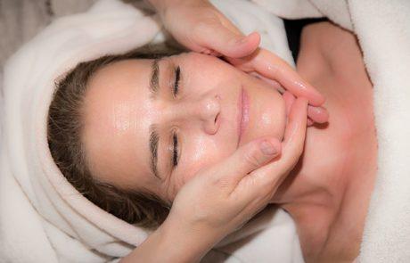 טיפולי פנים מפנקים בעידן המודרני