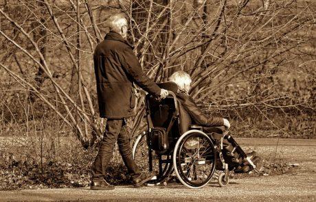 המבוטחים אינם שולטים על השתן או הצואה, אך חברות הביטוח דוחות תביעתם לכיסוי למצב סיעודי