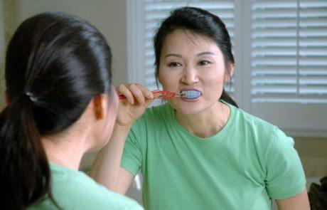 הקשר בין בריאות הפה להתפתחות מחלות בגיל מבוגר
